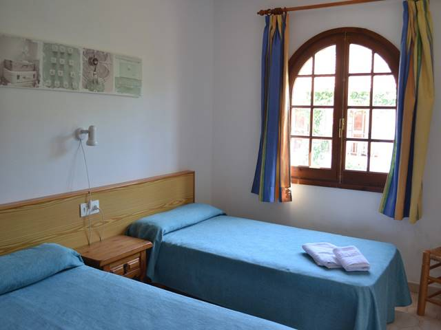 Los Girasols, well kept first floor apartment
