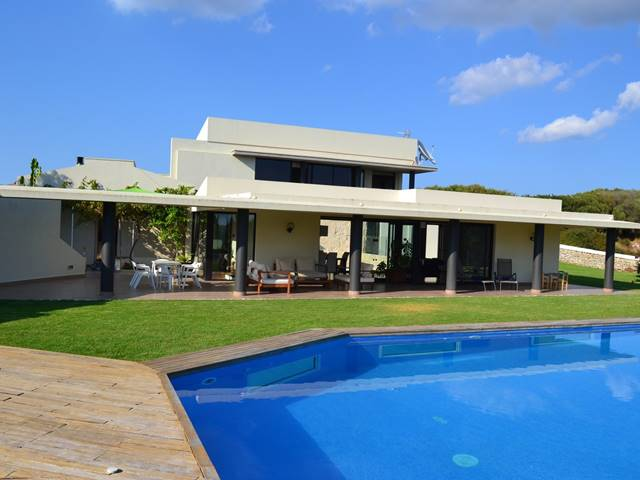 Modern country house near Alaior.