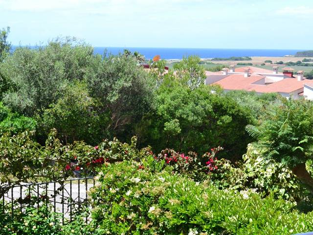 Attractive apartment with sea views in Torre Soli.